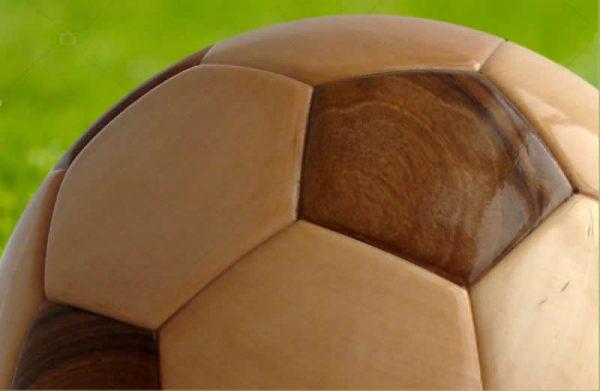 Trophées en bois scultures ballon de foot